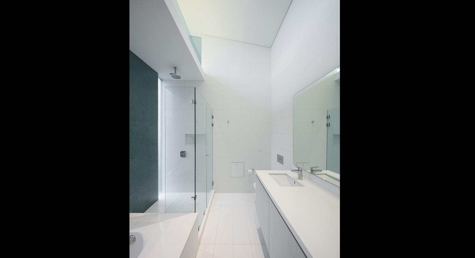 bathrooms (25)