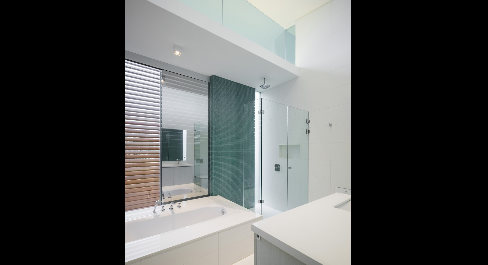 bathrooms (27)